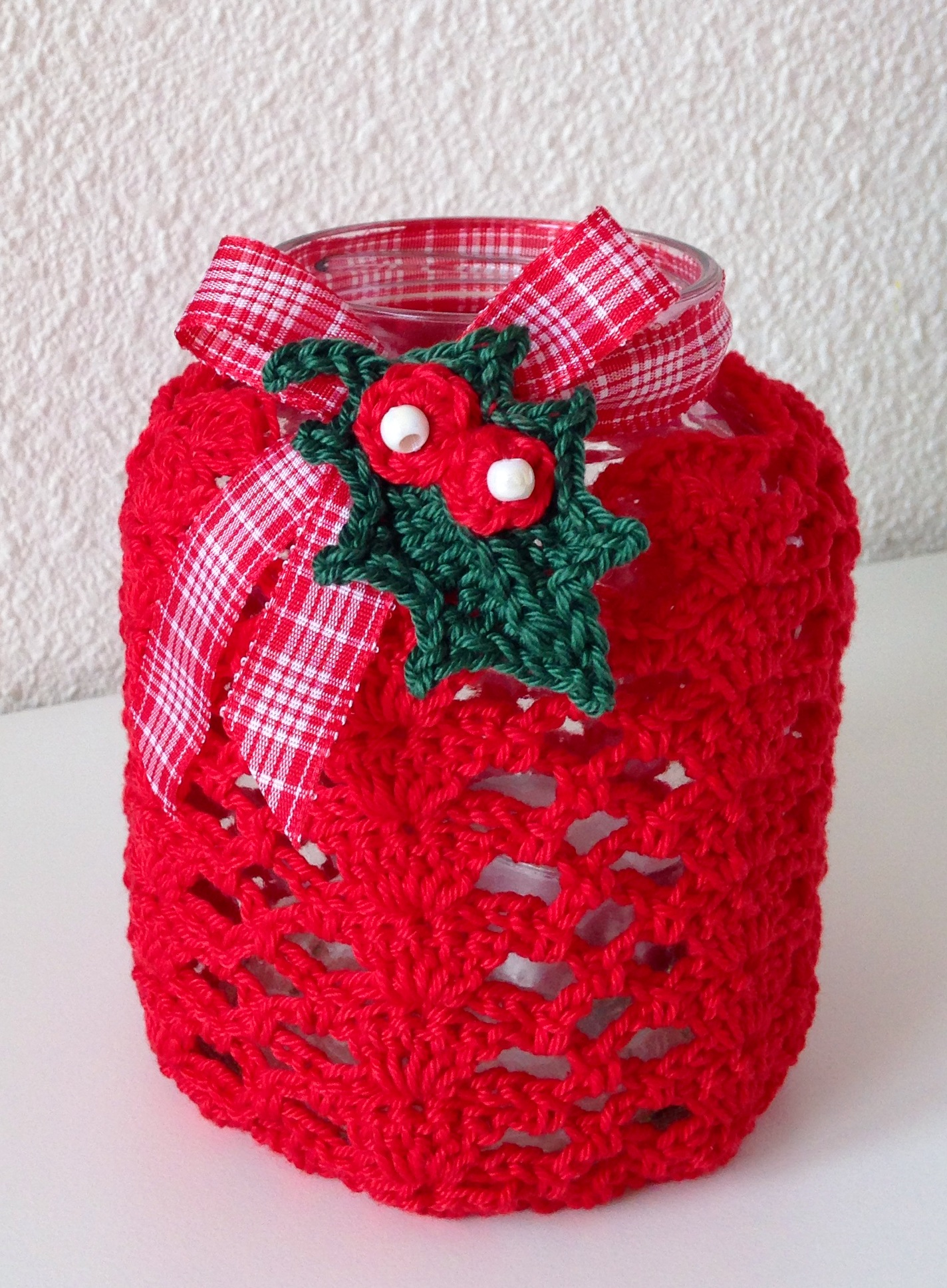 X-massy crocheted jar cover