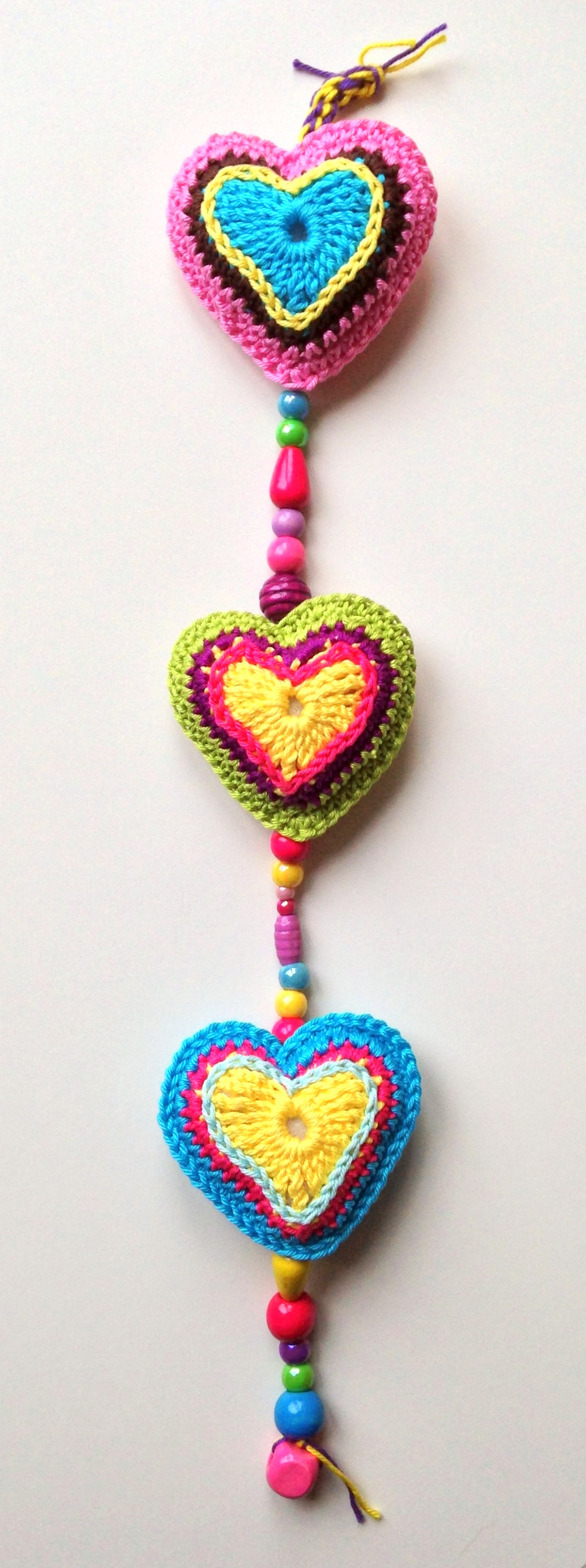 maRRose - CCC, 3 hearts wall hanger