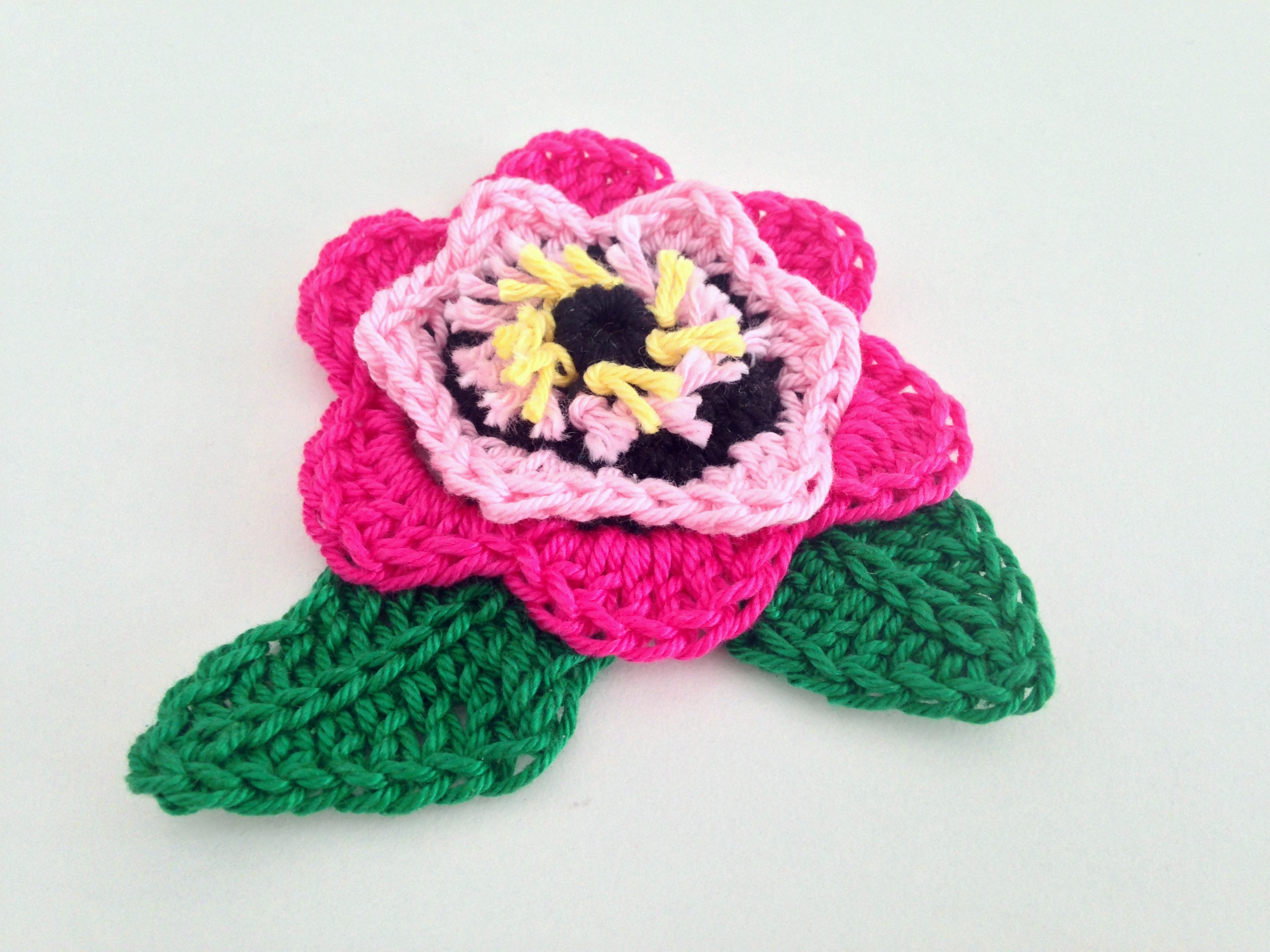 maRRose - CCC --- flower brooch pink