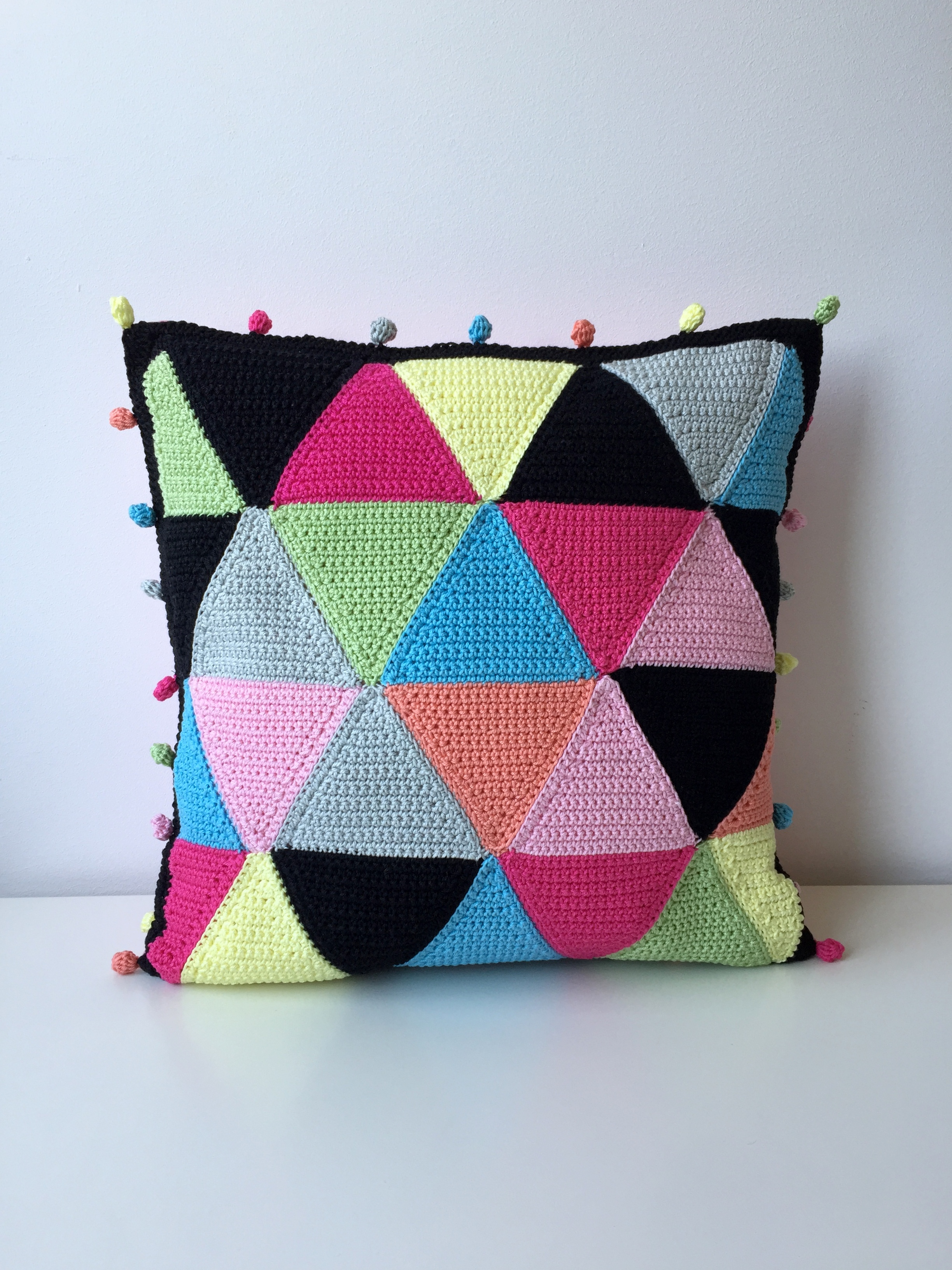 maRRose - CCC - The Candy Triangle Cushion-03