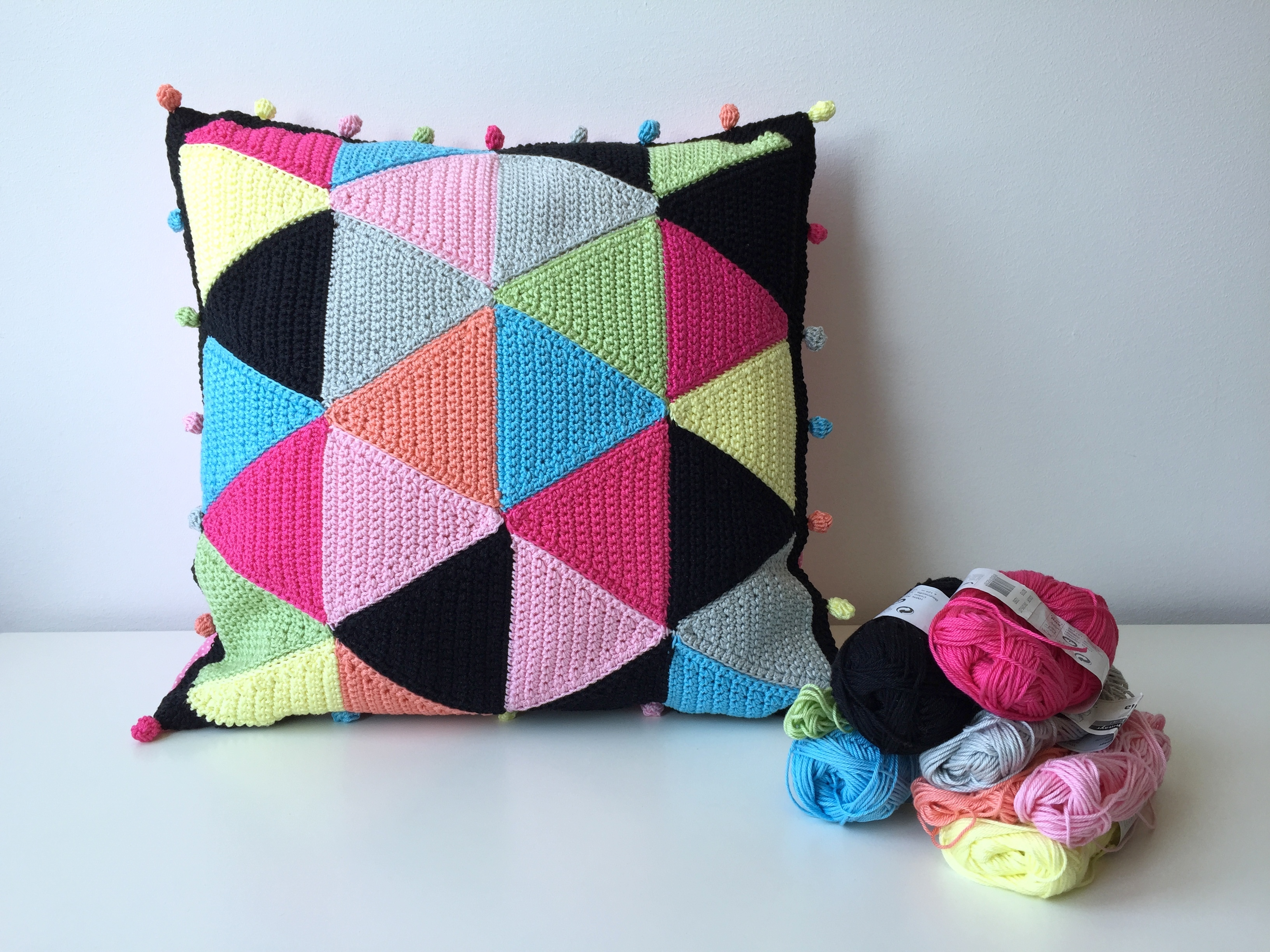 maRRose - CCC - The Candy Triangle Cushion-04