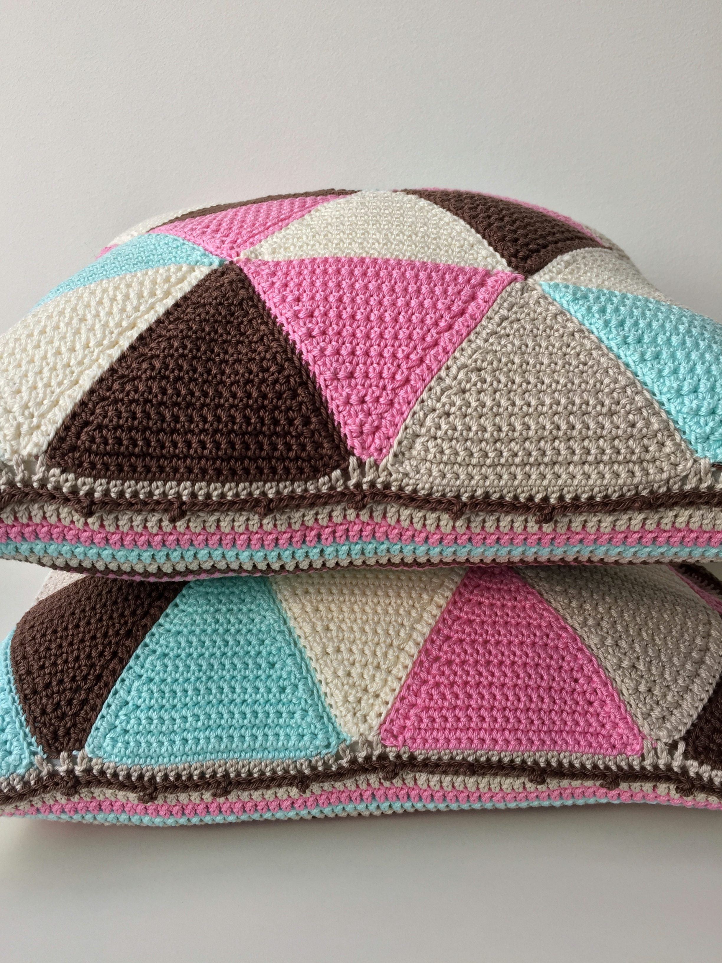 maRRose - CCC - The Gelato Gemini Triangle Cushions-31