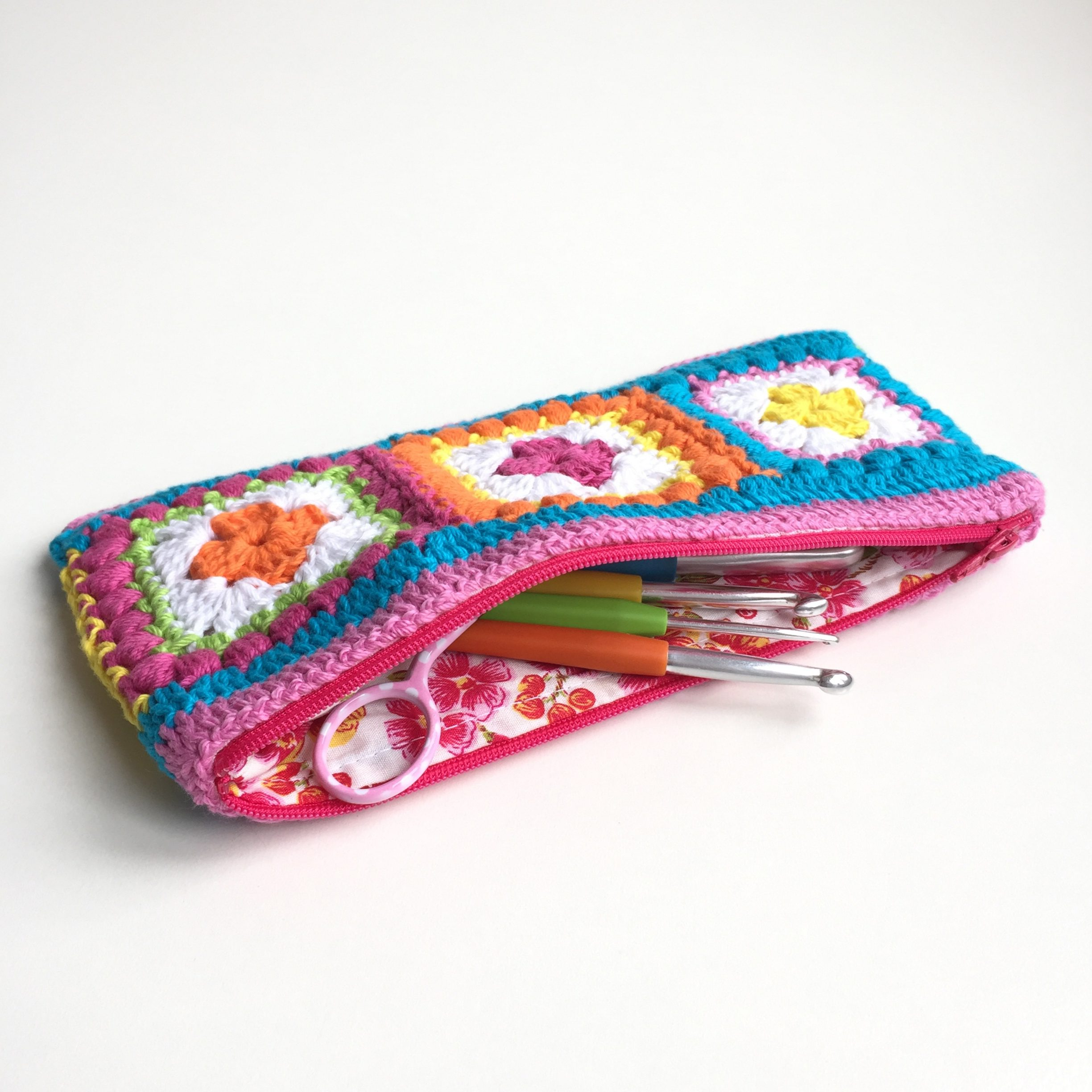 Bobble Square Hook Case Zippered Lining And Cushion Pattern