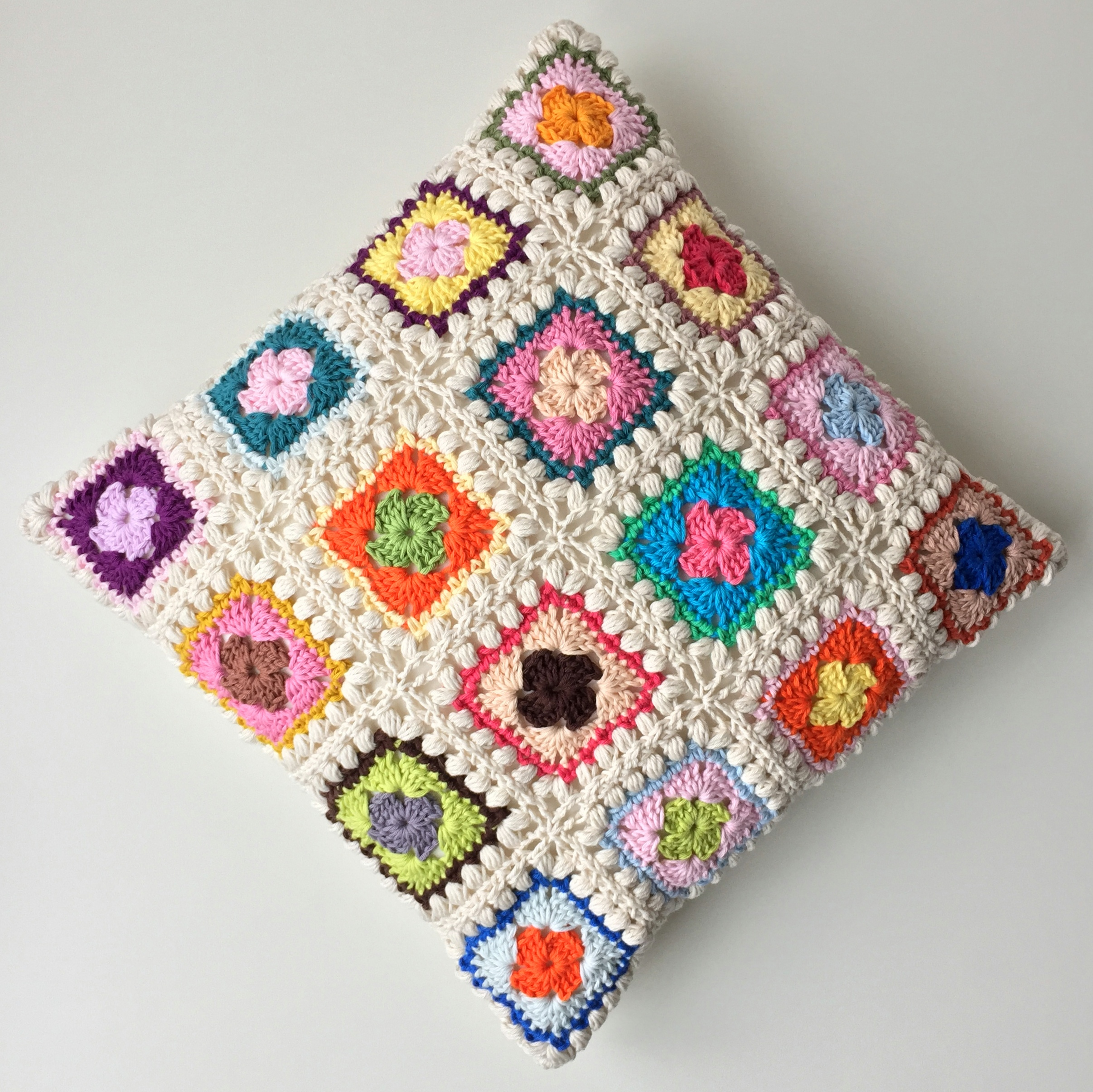 maRRose - CCC --- Bobble Granny Square Cushion-09