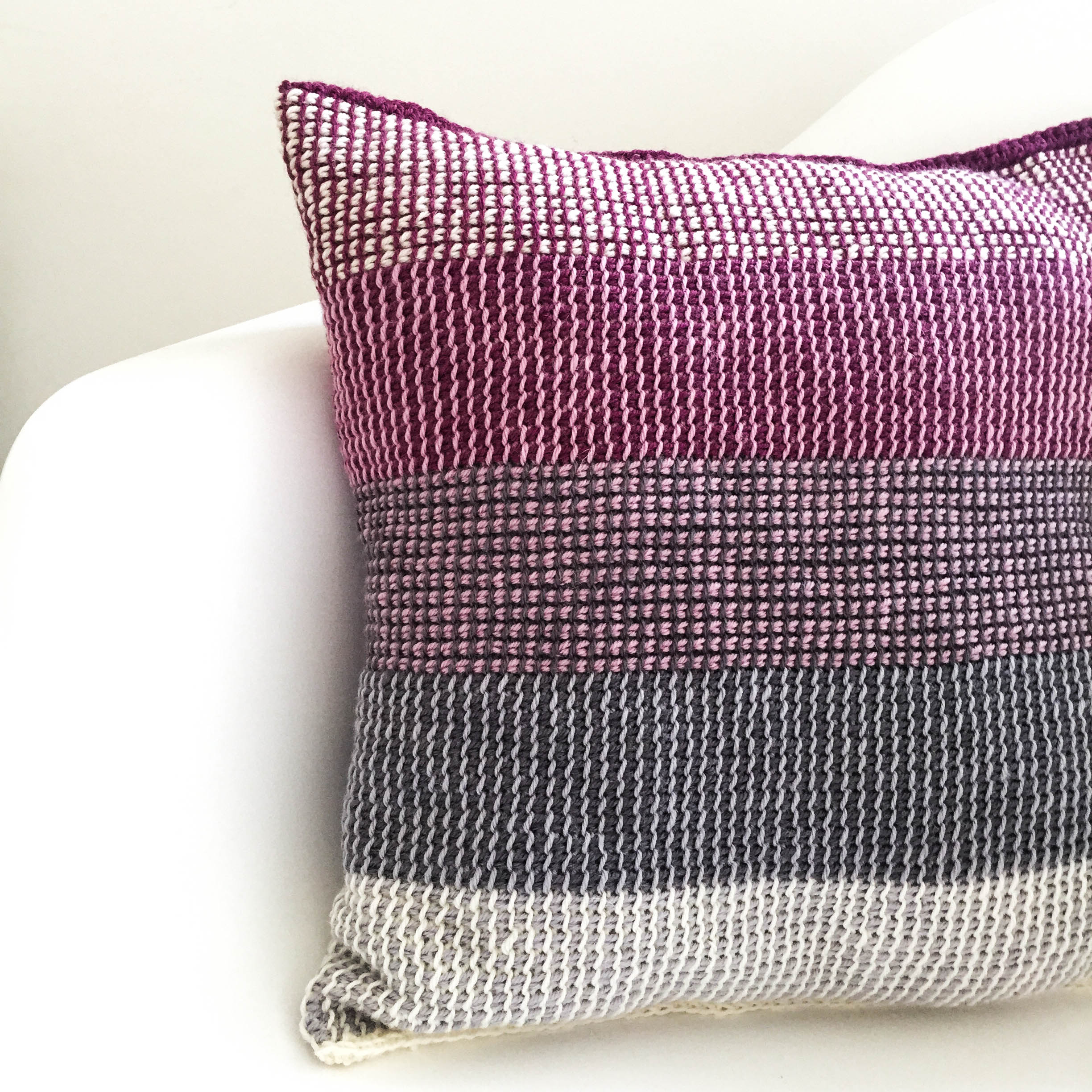 Tunisian Cushion – 't Voorpand