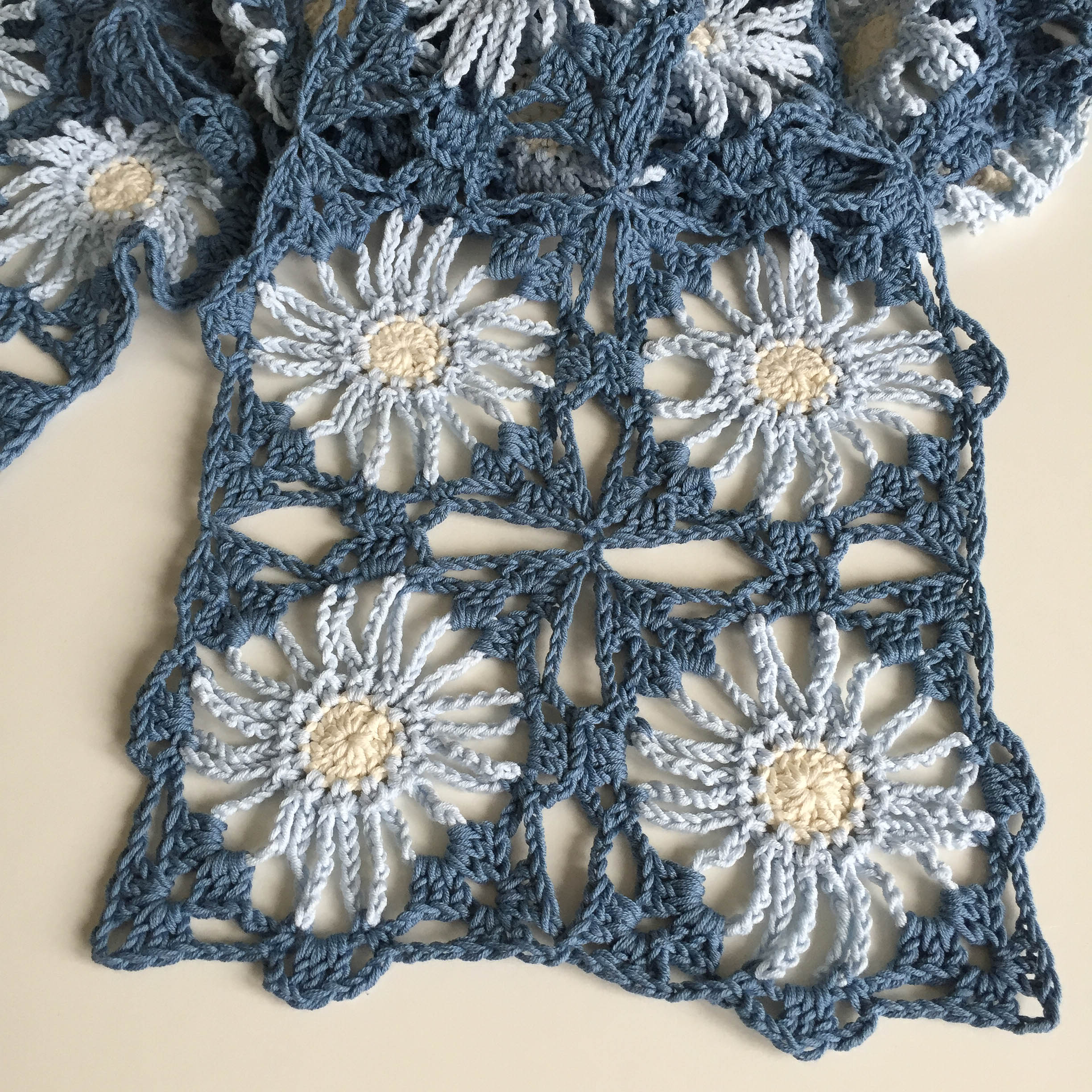 Floral Lace Scarf Heleen Marrose